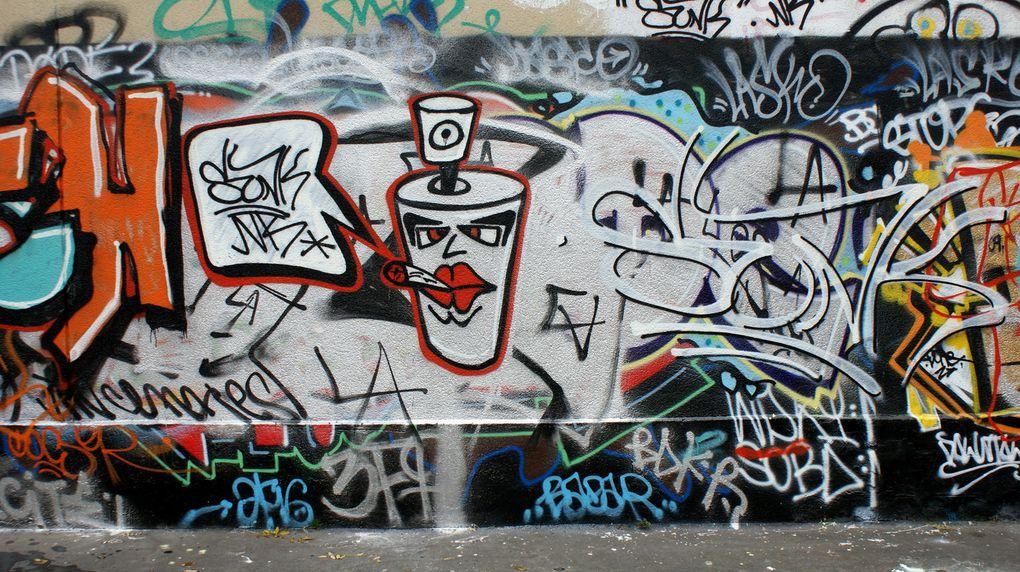Album - Graffitis-Pyrenees-Story-001