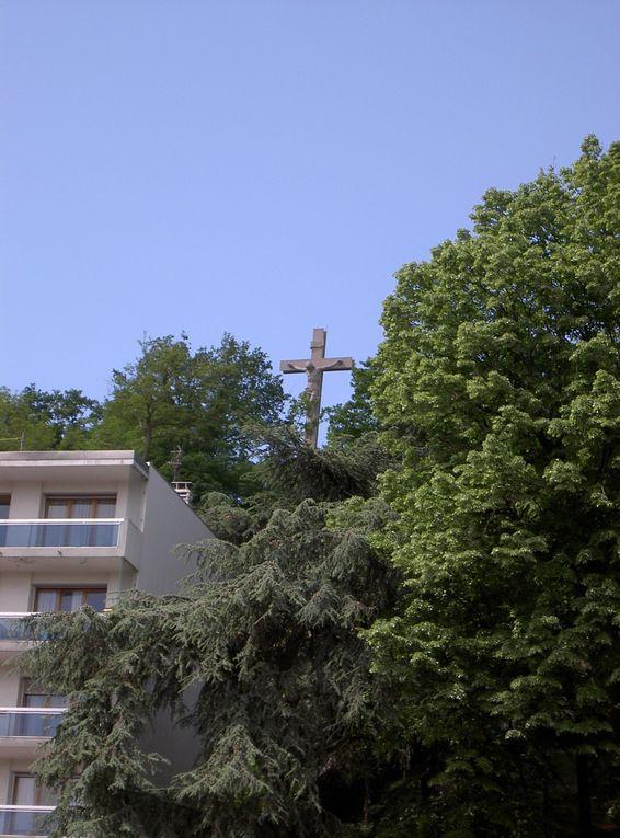 Visite en images de notre quartier. Reconnaissez vous ces lieux ? Si vous avez des photos à envoyer, adresser les par mail àlechoducinq@live.fr