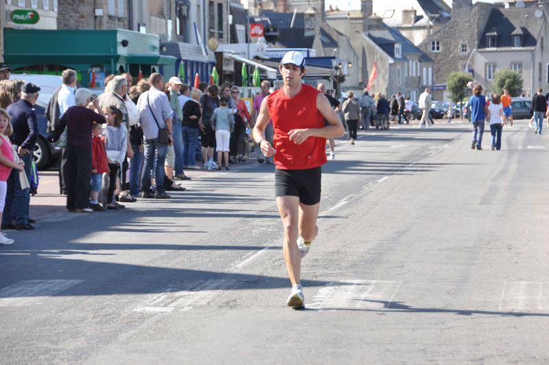 Photos du semi marathon de la Côtes des Vikings, le 25 juin 2011, entre le phare de gatteville et Saint Vaast la Hougue.
