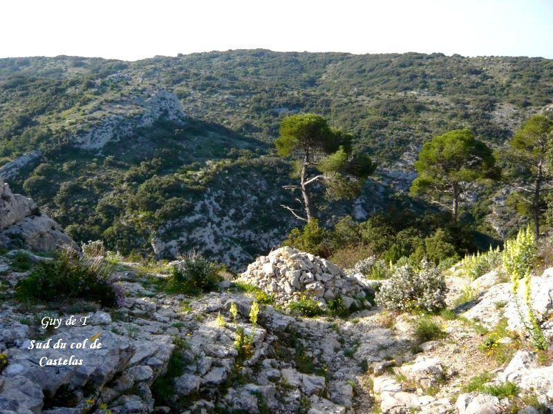 Circuit aux rochers de BAUDE à ROBION (Vaucluse) Petit luberon.