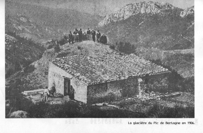 """Circuit STE BAUME OUEST. (Espigoulier-St Pons GEMENOS -13-""""Glacière Bertagne -Trou du Vent - Dents de Roque Forcade -Grande Baume """""""