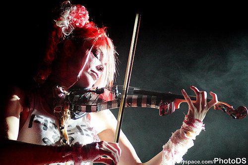 no babeen hombre ¡¡yo le enseñe a tocar el violin jejej