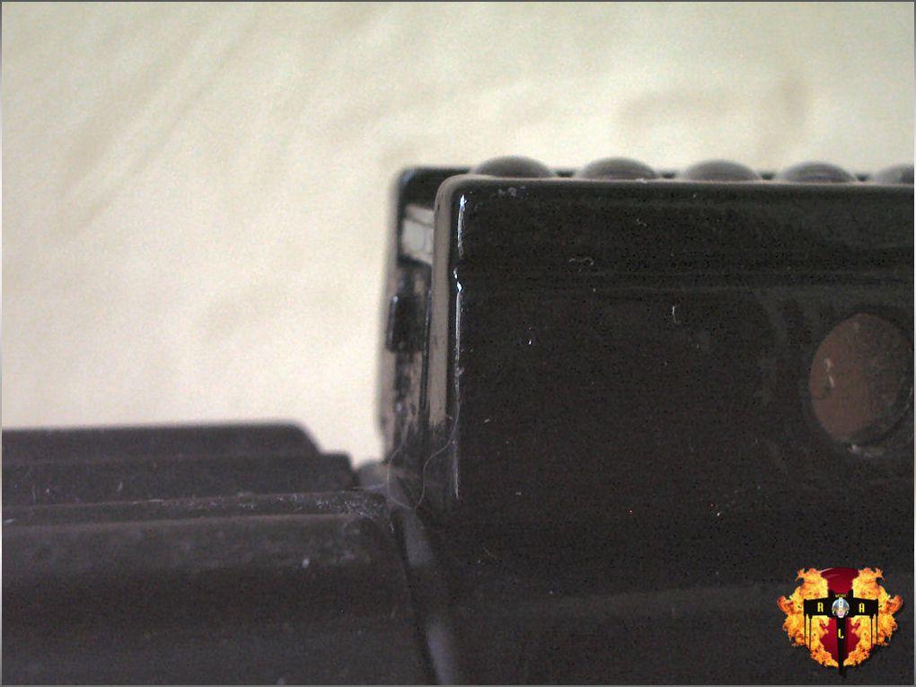 Sabre Force FX Dark Vador ESB converti en sabre luxeon.Le sabre est optimisé avec un bouton auxiliaire, un gradateur luxeon et un port de recharge.