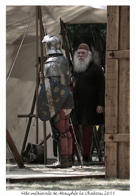 Le temps d'un week-end, les 4 et 5 juin 2011, le Lions Club de Neauphle-le-Château vous invite à vivre une expérience unique : un retour au Moyen-âge.Grâce à cette association caritative, le cœur du village se transformera en site médiéval