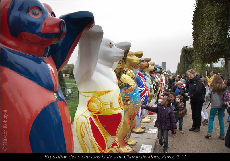 http://www.buddy-baer.com/fr/united-buddy-bears/world-tour/paris-2012.html