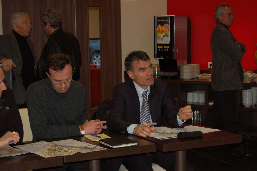 """Les associations du collectif """"Union pour la sauvegarde des villages"""" a rencontré Brigitte Barèges le jeudi 04 janvier 2010 sur Castelnau d'Estrétefonds"""