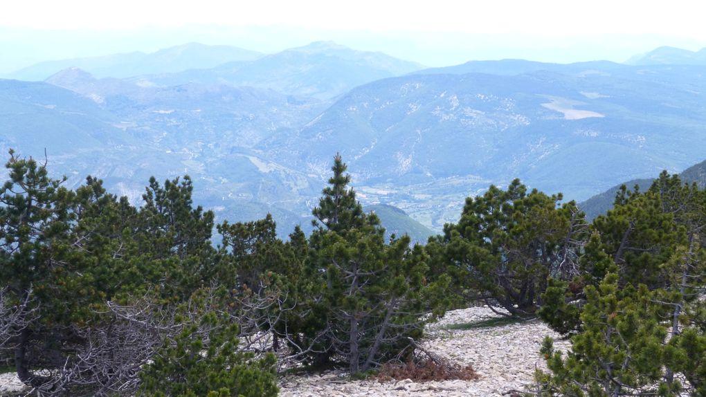 Le sommet par le GR4 au départ du Mont Serein, retour par l'Épaulement de la Frache et le Balcon Nord (GR9)