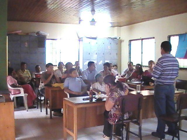 EL PASADDO 27 DE MAYO DE 2009, LAS DIRECTIVAS DE LA INSTITUCION SOCIALIZARON CON LOS DIFERENTES INTEGRANTES DEL CONSEJO, DIRECTIVO, ACADEMICO, ESTUDIANTEL Y DE PADRES LOS AJUSTES DEL PROYECTO EDUCATIVO INSTITUCIONAL