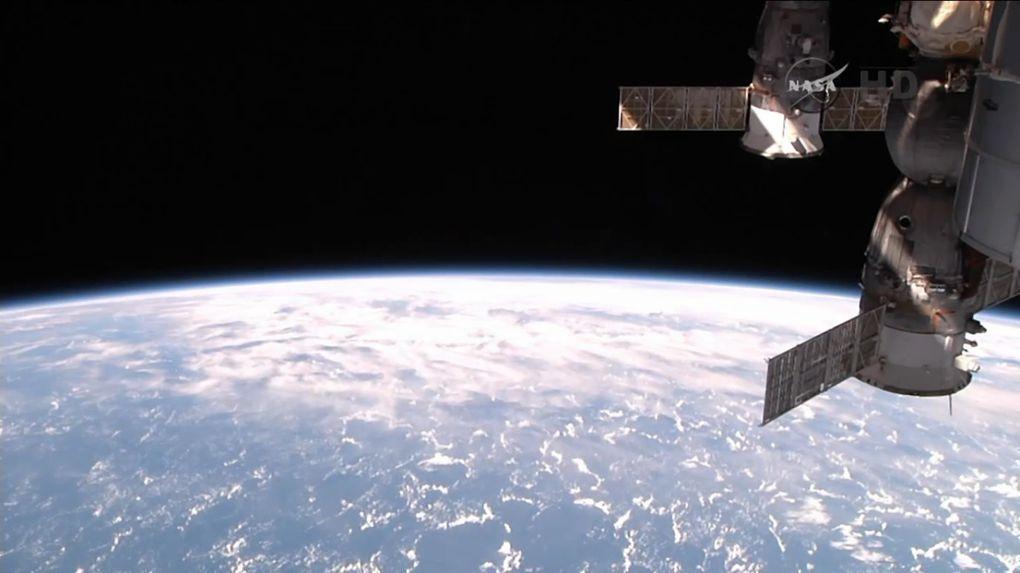 6 heures de sortie dans l'espace pour maintenir l'ISS