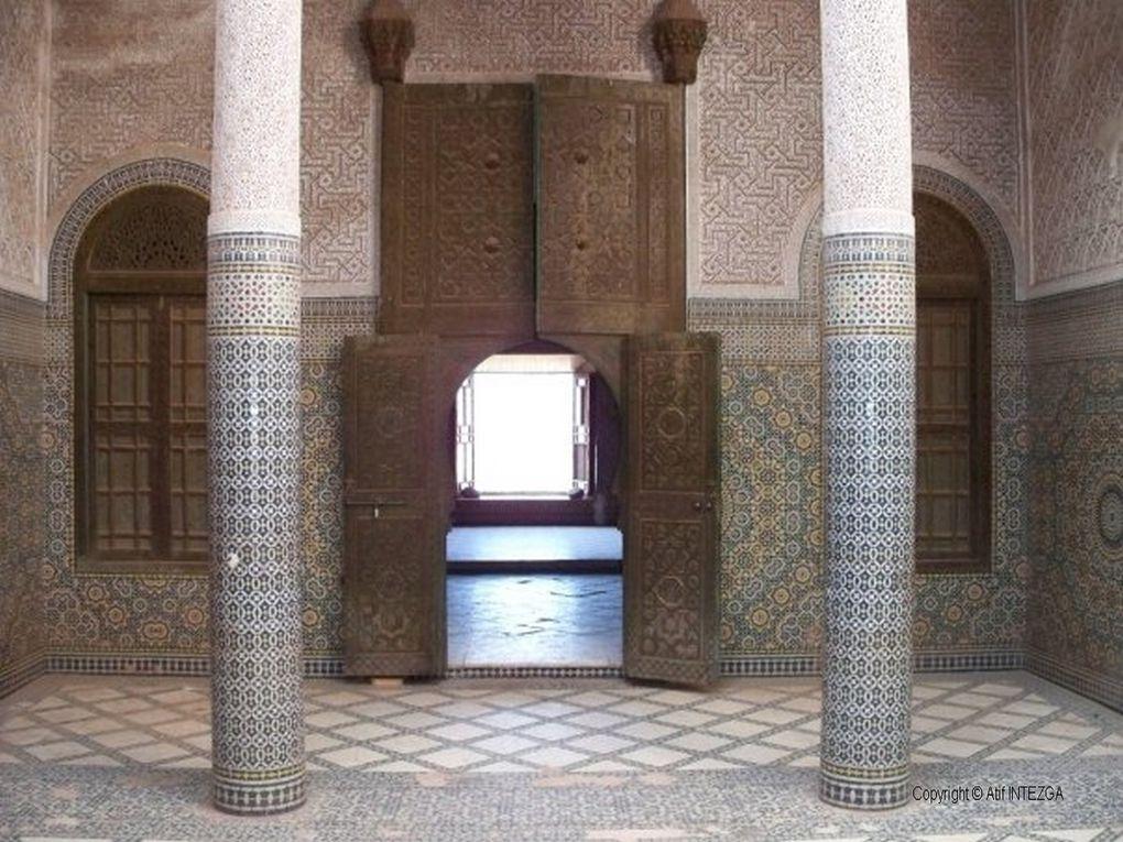 Cet album photos regroupe des images récentes de la ville de Ouarzazate et ses kasbahs, de Telouet et du ksar d'Ait Benhaddou etau Maroc et vous permet de faire une première visite en images de cette région. Blog DarkomGuideMaroc