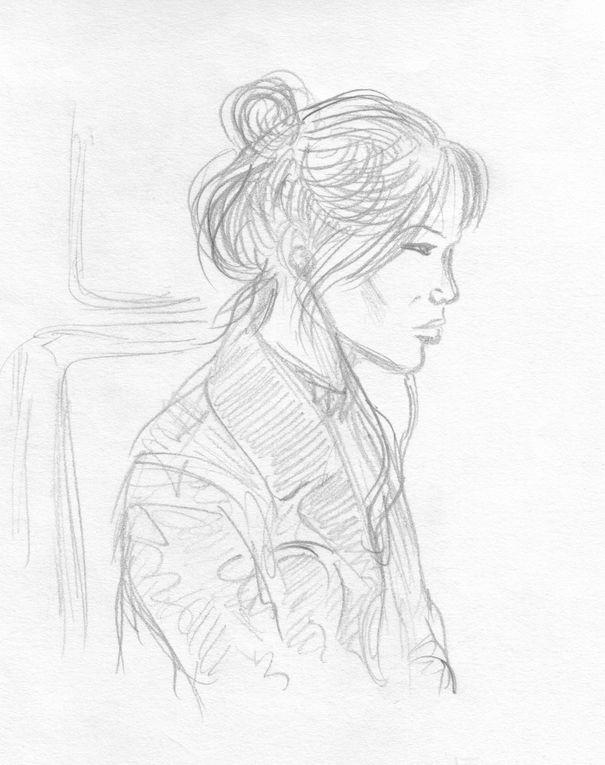 Portraits de femmes et d'hommes en atelier, dans le métro, en terrasse d'un café ...