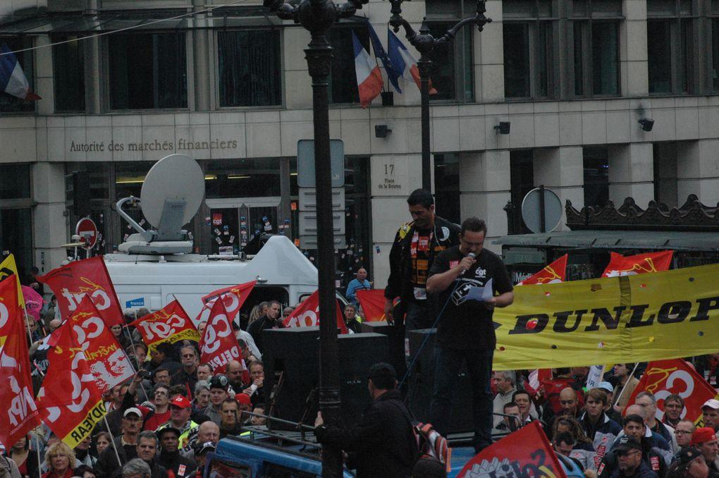 Photos T. Perucha (cgt Philips)manif contre les licenciements boursiers