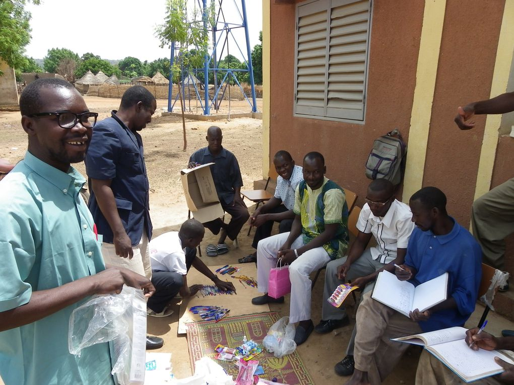 Mission d'acheminement du matériel scolaire et des lettres faites à l'occasion du festival AFRIC'AFÖ