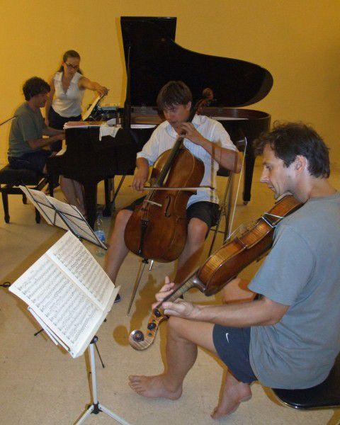le plein d'images de l'Académie d'été 2009 organisée par ARS ANTONINA à SANARY-SUR-MER