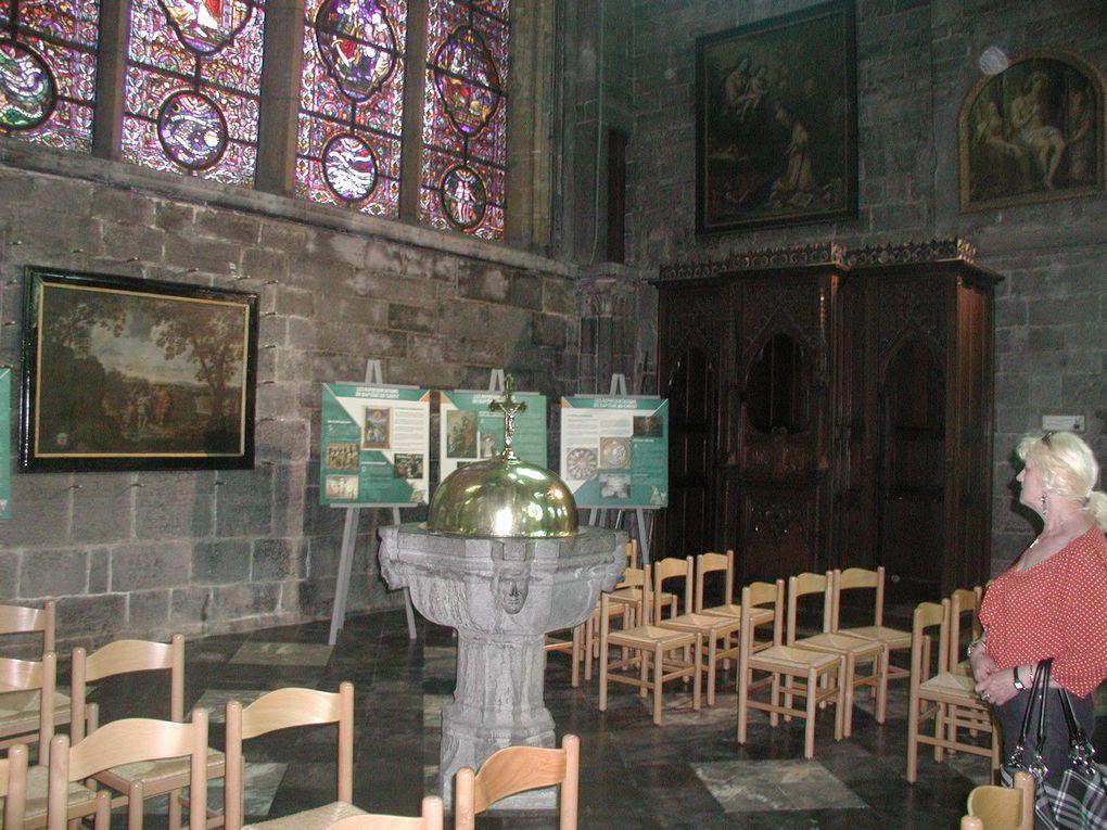 Le dimanche après la messe il arrive souvent qu'avec des fidèles ou des membres du clergé de notre église nous visitions quelques lieux saints. Là Nadine diaconesse et dame Amélia également qui représente les gallicans dans la ville de Laon