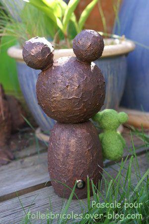 Kokeshi réalisées sur la base de kokeshi à customiser en bois de cornouiller