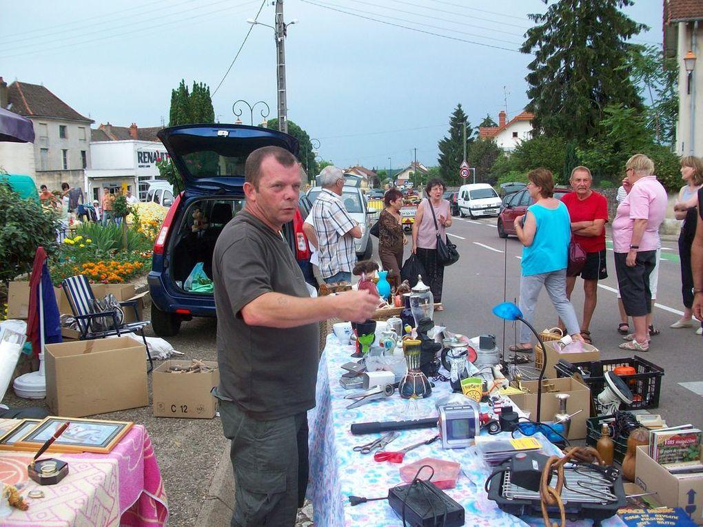 Notre 1ere brocante/recrutement à Givry le 6 juin 2010