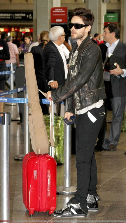 Album - Jared Leto -At-Sao-Paulo-Airport---24-Mars-2011