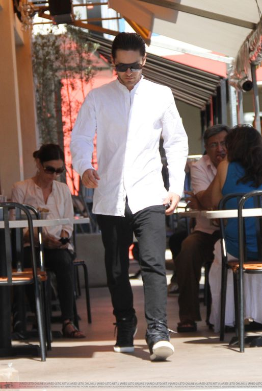 Album - Jared-Leto-Out-For-Lunch-4-Aout-2011