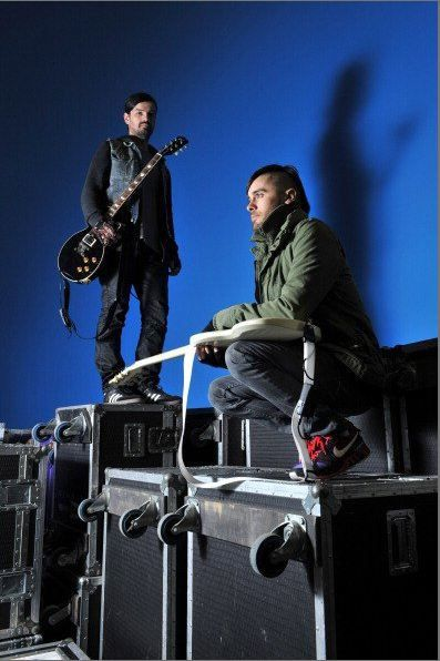 Album - 30 STM - Photoshoot-backstage-at-the-Nottingham-Arena-Shoot--18-02-2010