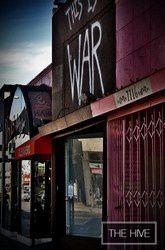 Toutes les photos provenant de The Hive (twitter, facebook, board..) ou ayant un lien avec le local de Melrose Place.