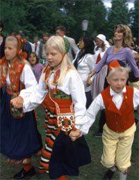diverses images illustrant le caractère spécifique des cultures et peuples indo-européens.