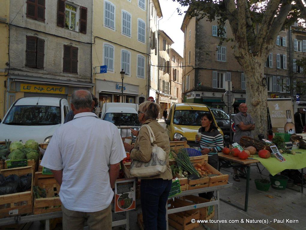 Un marché bio régulier à Brignoles ? C'était la première, le 7 octobre 2011. Rush de bio...