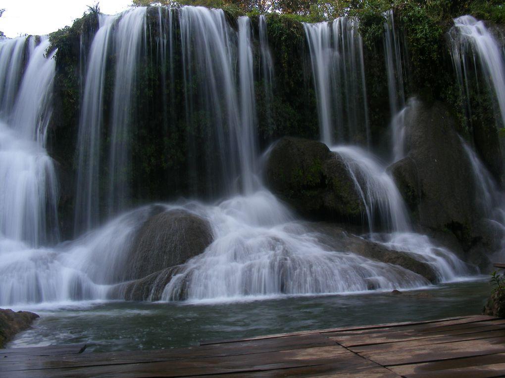 PARQUE DAS CACHOEIRAS:  Promenades écologique dans les marges, au long de 6 belles cascades de Rio Mimoso.Pauses pour plongeons dans diverses piscines naturelles tout au long de la promenade, où vous pourrez apprécier des cavernes naturelles avec la beauté de la faune et la flore locale. En retournant a la fazenda, appréciez un savoureux déjeuner typique de la région. Distance depuis le centre-ville: 17 km Durée: journée complète Ce qu'il vous faut apporter : vêtements de rechange, maillot de bain, serviette, tongs, écran solaire et anti-moustique