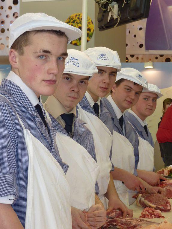 Les apprentis sur le stand Planète Viande