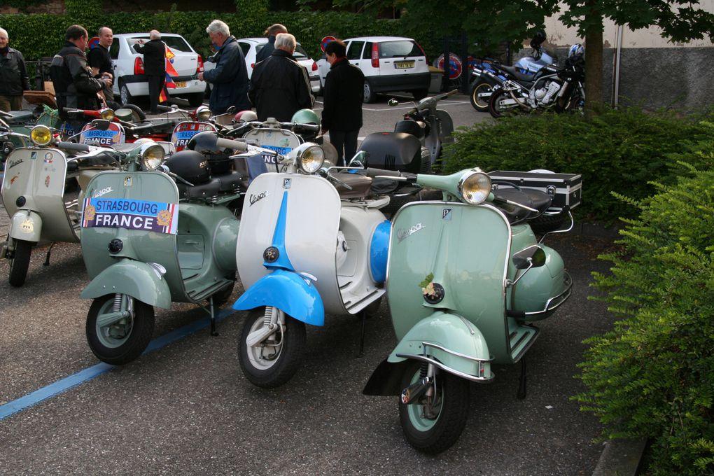 3° Randonnée Internationale Rétro Moto de Molsheim le 22 mai 2011. 100 Motos anciennes, 128 participants soit 203 personnes avec assistance et bénévoles.