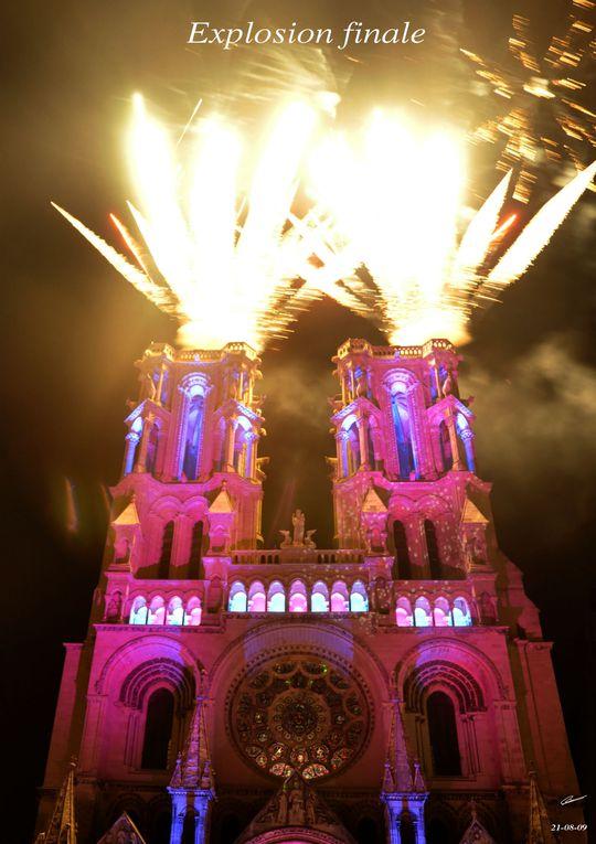 Spectacle lumineux sur la façade de la cathédrale. Le thème 2009 : les Arts libéraux