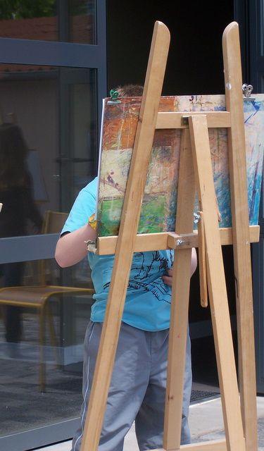 """un atelier, un endroit pour laisser aller son imagination, sa """"soif"""" de couleur, mais aussi apprendre!"""