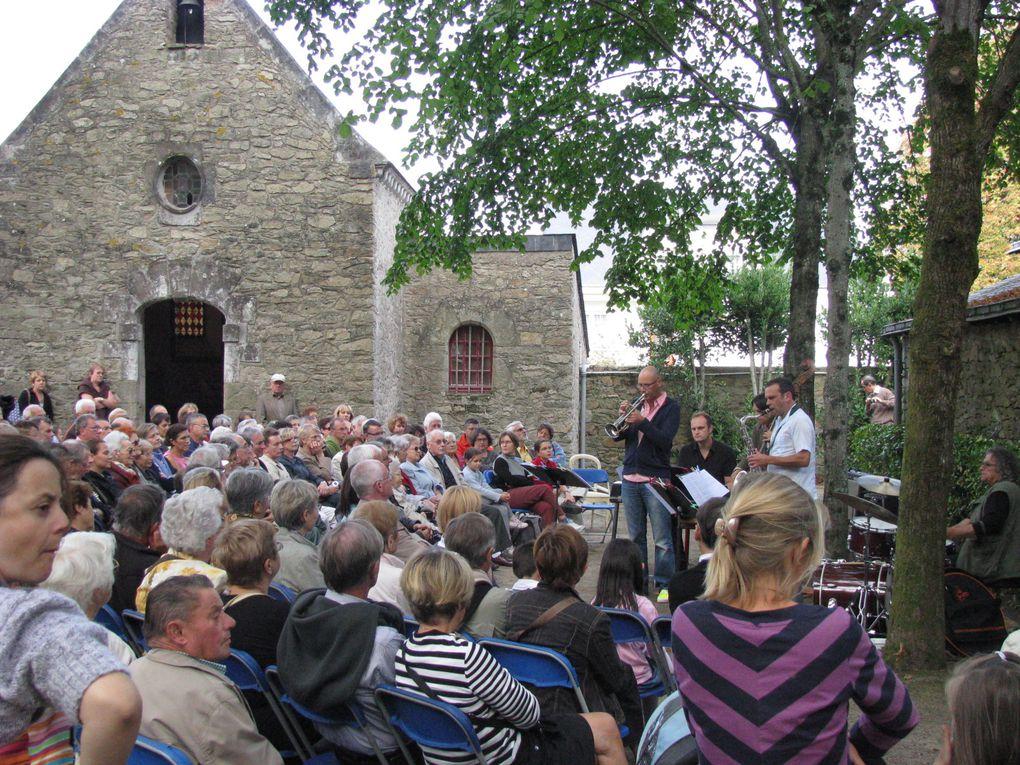 Quelques vues de deux sites participant aux Journées du Patrimoine 2009 : la manoir de la Garotterie (concert du quartette Jolie Môme)et Sillon de Bretagne (visite et contes de Marien Tillet).