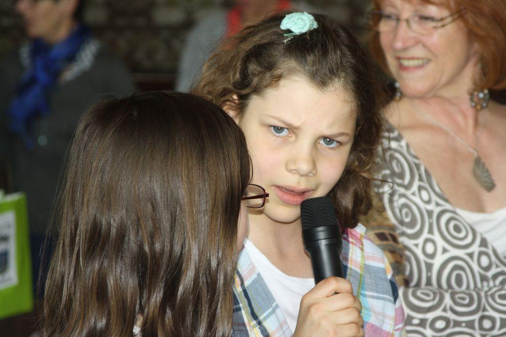 Vues de la Gourfenn de 2013 (finale Bretagne des dictées en breton) organisée à Redon : vues de la salle, des candidats, du concert de Dom Duff, des jeux extérieurs, de la proclamation des résultats dans la magnifique salle des mariages de la Ma