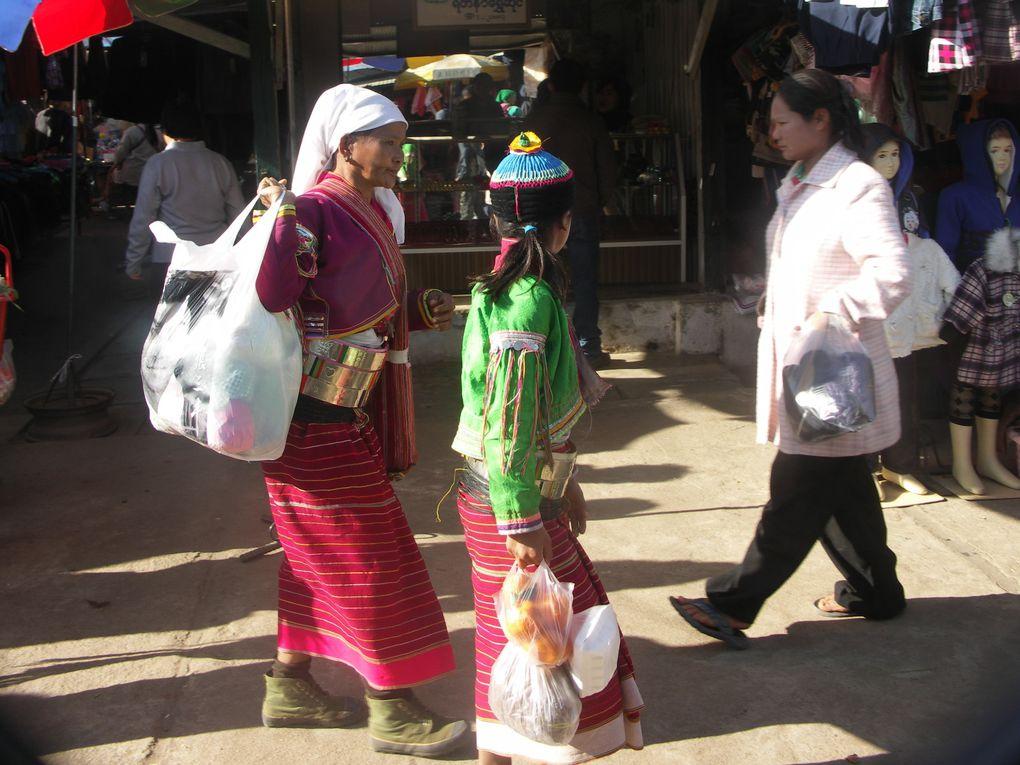 Un séjour dans la région de Tachileik et de Kengtung au plus près des minorités ethniques, durant la période des festivals de début d'année.