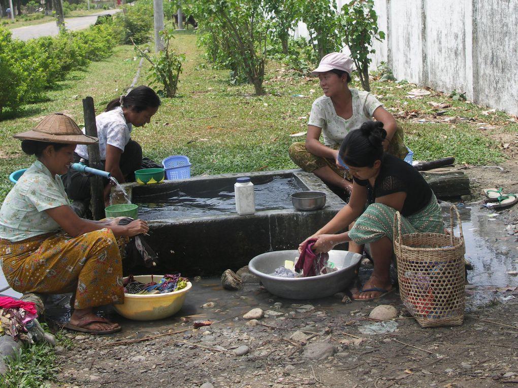 Un voyage dans des zones qui s'ouvrent à peine au tourisme de Mawlamyine au sud du pays à Myitkyina dans le nord, en passant par Hpa An et Bhamo.