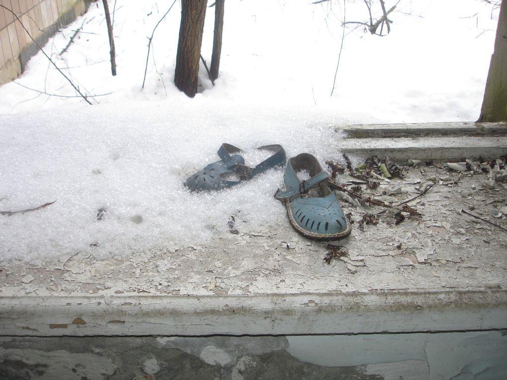 """Photos prises dans la ville """"fantôme"""" de Pripyat, complètement évacuées dans les jours qui suivirent le 26 avril 1986 jours de la catastrophe de Tchernobyl."""