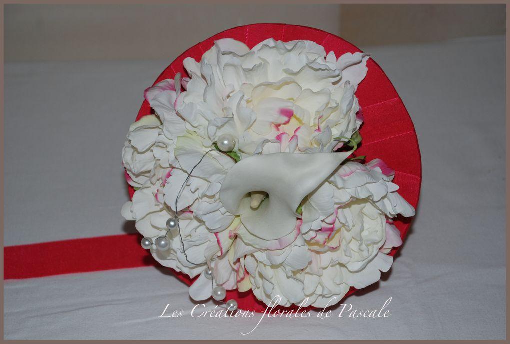 Des bouquets de mariée à garder en souvenir. Fleurs d'illusion (fleurs artificielles) pour que le plaisir dure !