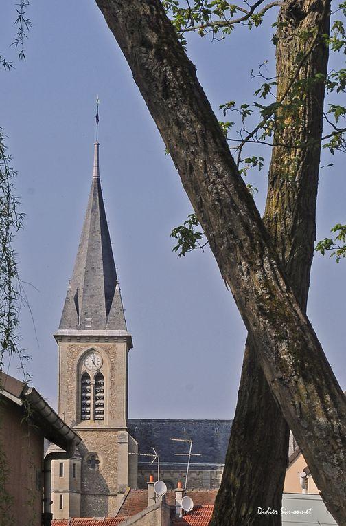 A travers les rues de Santeny ( Val de Marne )
