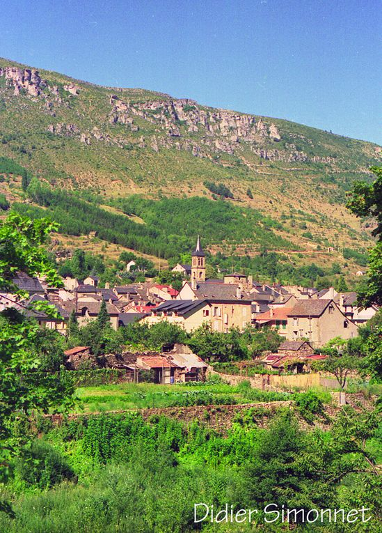 AUVERGNE, MASSIF CENTRAL