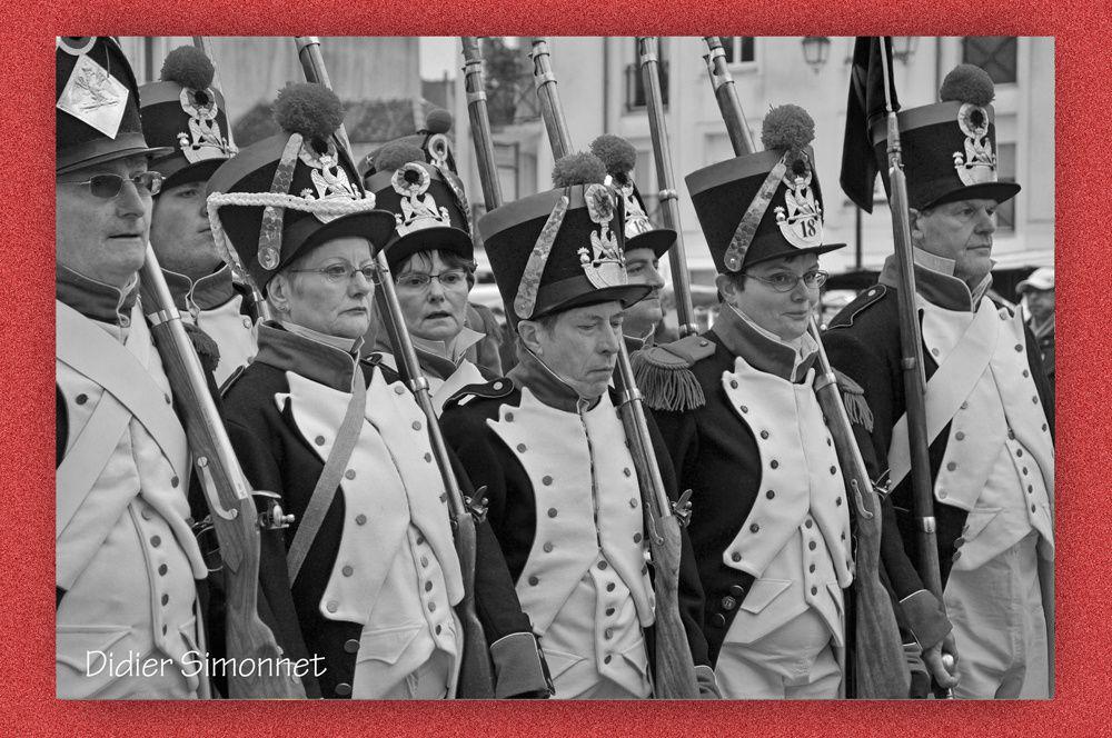 """Défilé militaire organisé par l'association """" MONTEREAU NAPOLEON """", avec la participation des Grognards de Montereau, les Grognards de la Marne, et le Groupe Curial"""