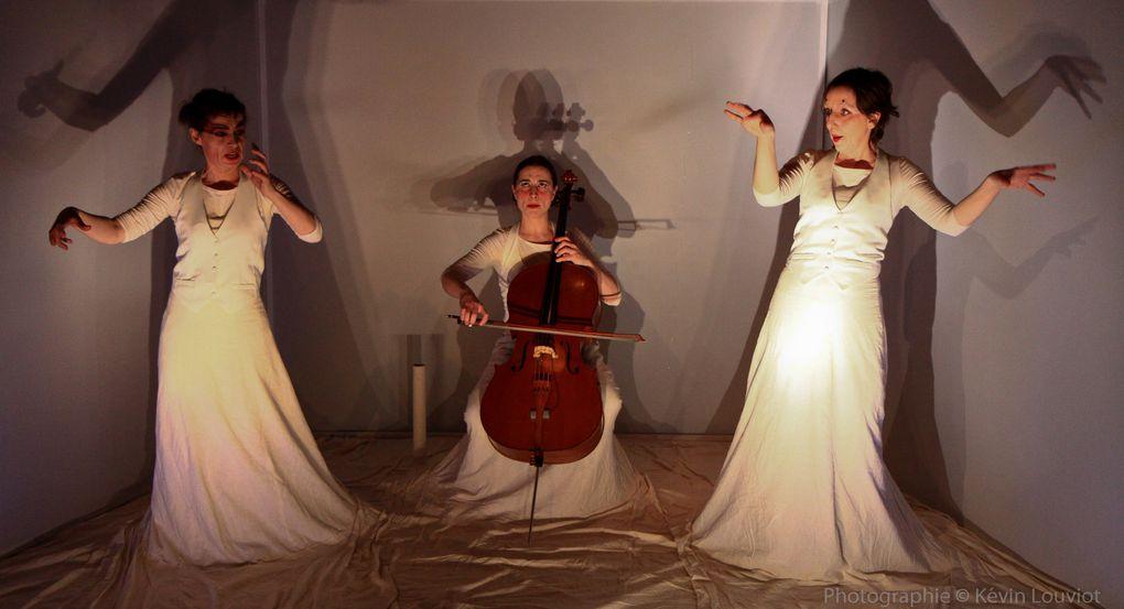 « BRODERIE » POUR TROIS VOIX Théâtre Musical Texte de Cécile BG/Musique de Elodie F