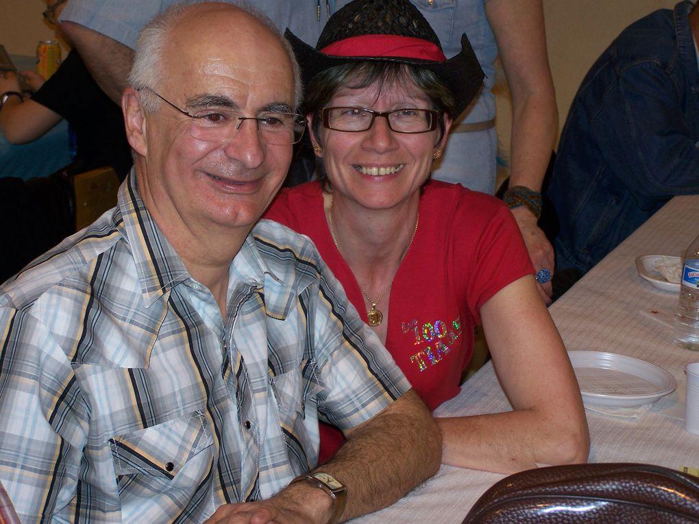 Très beau bal Country bien  organisé par les Parents d'Elèves de Nogent sur Vernisson belle soirée avec la participation de Cowboy Country 45