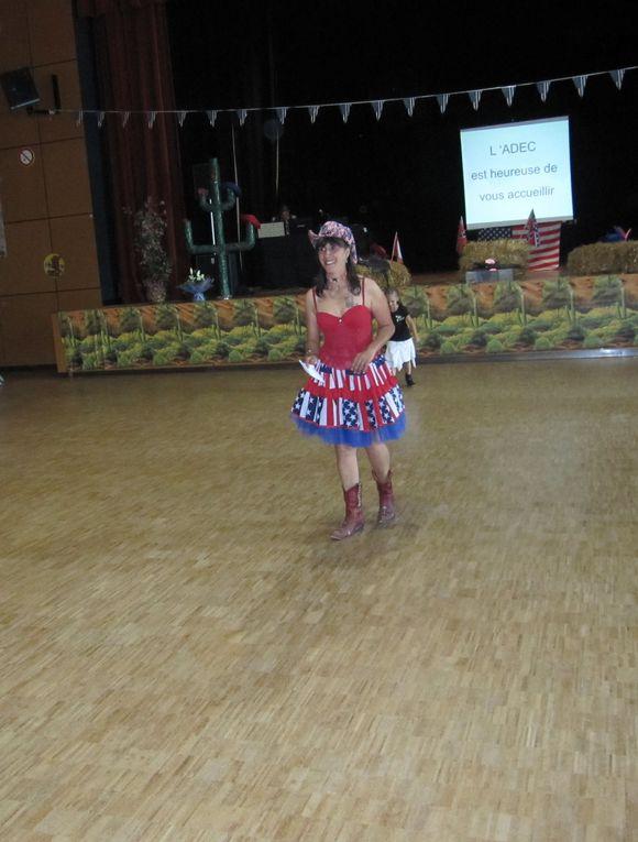 Très beau bal à Chateauneuf sur loire, bien organisé un grand bravo à l'ADEC et à Nathalie Fleurs, belle après midi de danses Country.