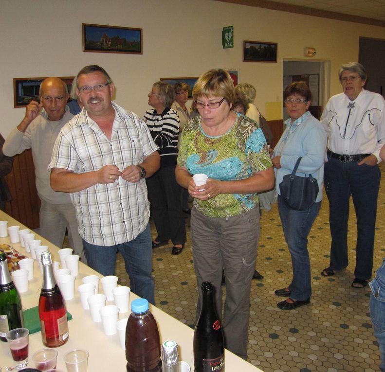 L'assemblée générale c'est terminée par un vin d'honneur