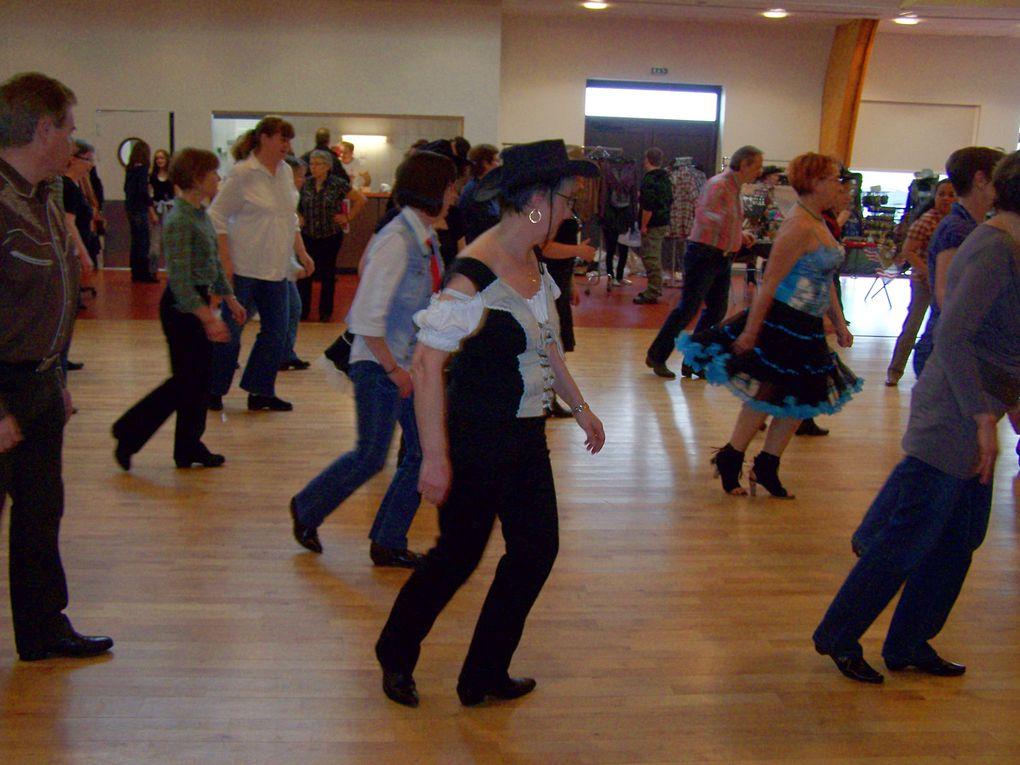 Très beau bal à Dampierre organisé par Laura de Country Dance Dreamers