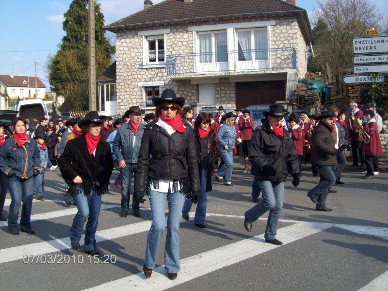 Rassemblement pour une démo des Cowboys pendant le Carnaval de Nogent