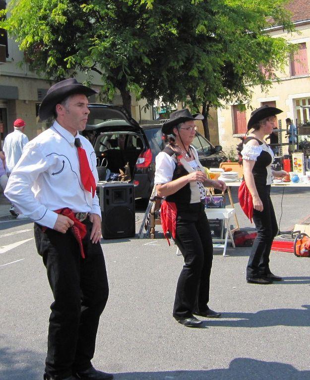 Belle journée de démo pendant la fête de la St Jean le 27 juin à Nogent sur VernissonEn bonus quelques photos de la danse au loing (et super bonus les enfants du Photographe)