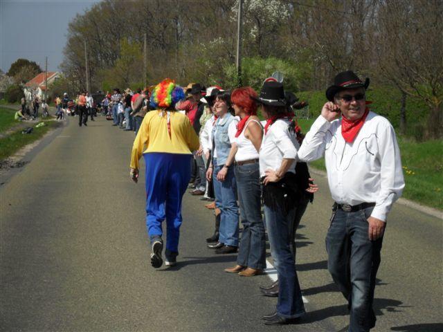 Festival de belles carrosseries et du record de France du plus grands nombres de danseurs 1025 sur 1 km 800