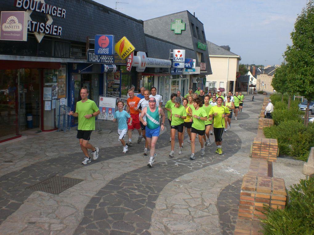 Les membres de l'Association en footing un dimanche matin...dans les rues de VEZIN...